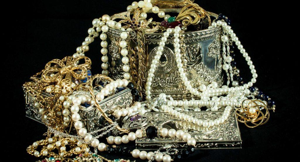Jewelry – Is it a Sin to Wear?